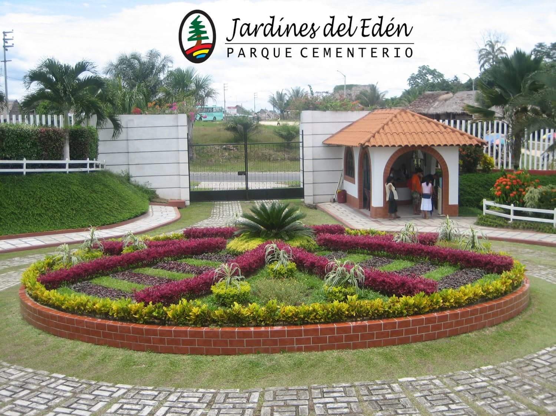 Cementerio jardines del ed n iquitos travel guide for Los jardines del eden